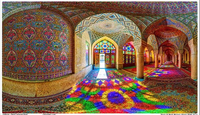 In picture: Discover gorgeously colorful secrets in Nasir al-Mulk Mosque