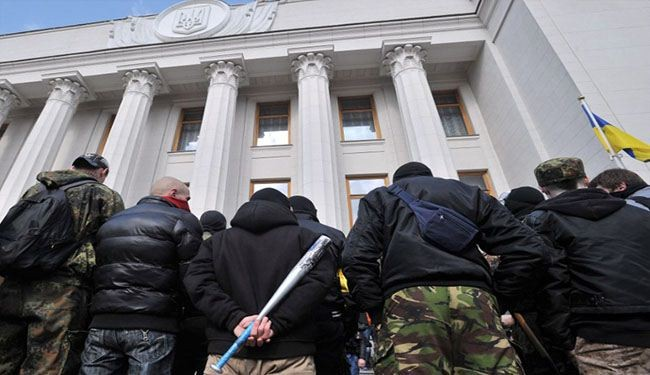 Ukrainian Parliament besieged by angry rightists