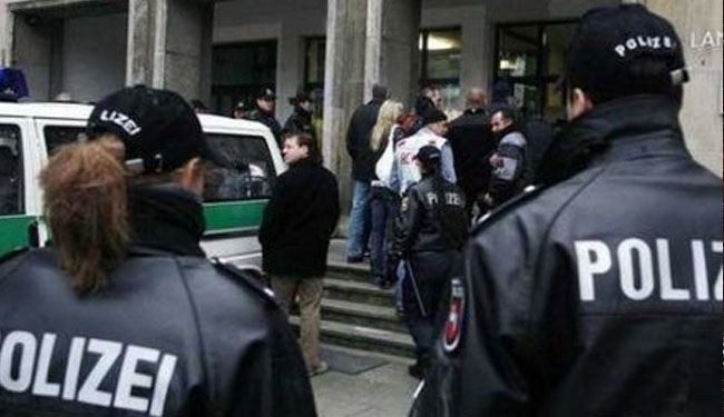Germany arrests three over links with Syrian militants