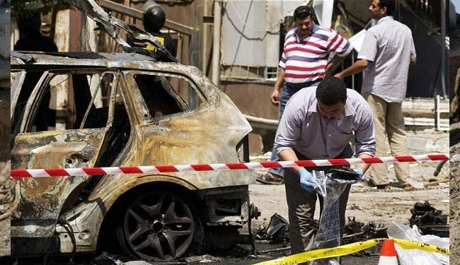 Cairo bombing kills a police officer, wounds another
