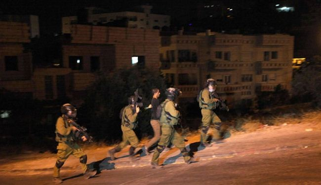 Israeli forces arrest 17 Palestinians in West Bank