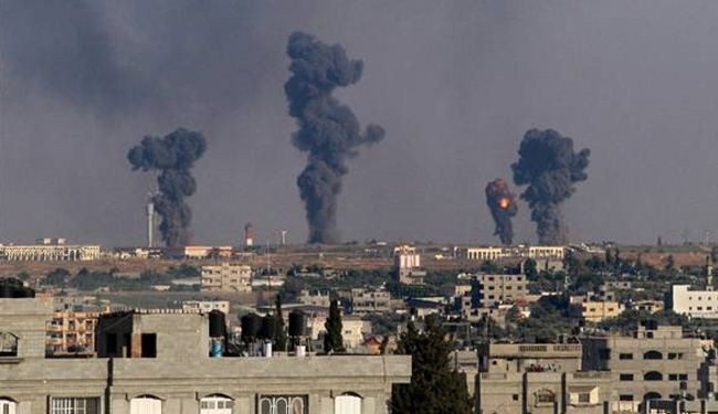 Israeli warplanes target houses in Gaza, 17 hurt