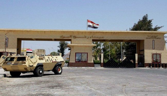 Egypt blocks its Rafah border with Gaza amid Israeli attacks