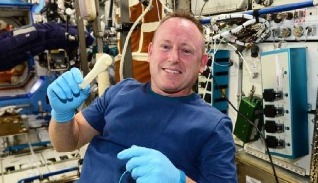 NASA Emails Tool to International Space Station
