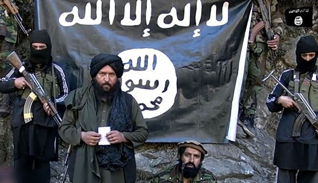 Taliban Militant Pledging Allegiance to ISIS, Beheads Pakistani Soldier