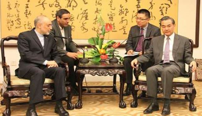 Iran's Nuclear Chief, Chinese FM Urge Closer Ties