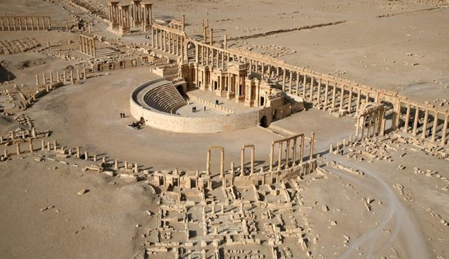 ISIS Militants Begin Evacuation of Loyalists from Ancient Palmyra in Syria