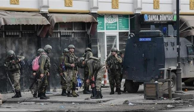 Turkey Military Forces Impose Curfews in Two Kurdish Towns
