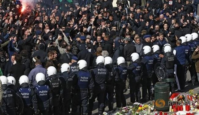 Brussels Police Clash with Far-Right Mob at Attacks Shrine