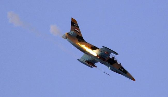 Syrian Warplanes Demolish ISIS Military Targets in Raqqa Province
