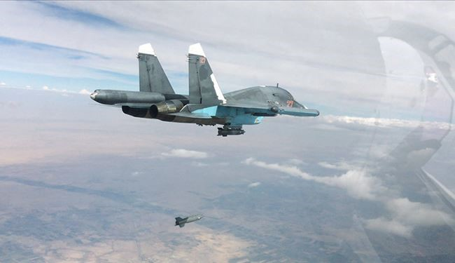 Russian Warplanes Strike on ISIS Centers in Raqqa: Syrian Defense Ministry