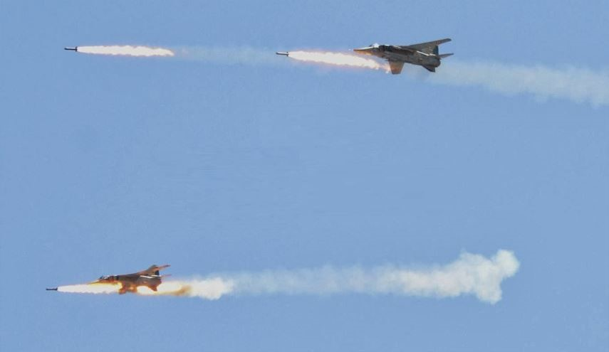 Russian, Syrian Warplanes Hit ISIS Positions in Deir Ezzor after US Airstrikes