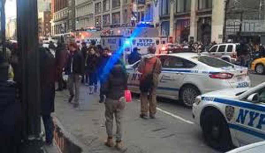 2 Killed, 5 Injured in 2 New York City Shootings on Christmas