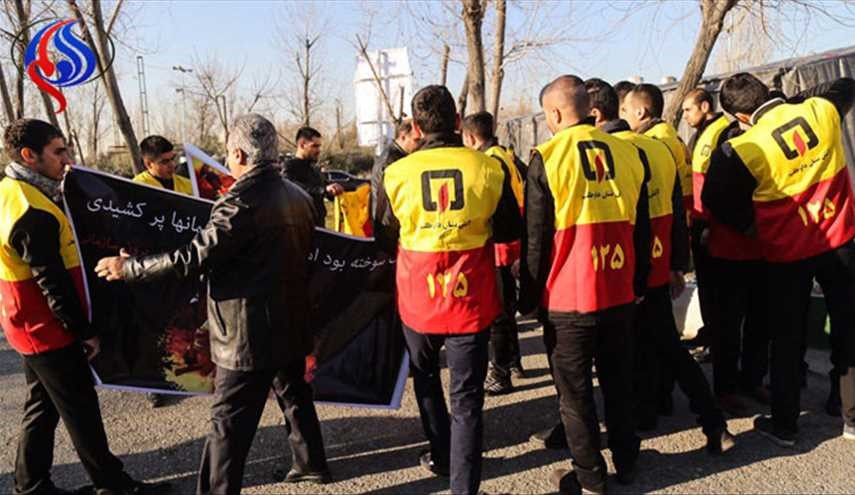 Iran, firefighter victims of Plasco funeral