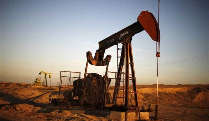Oil Prices Down 5 Percent in January as Rising US Output Offsets OPEC-Led Cuts