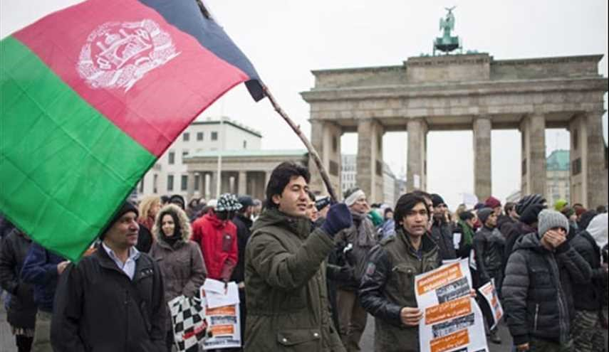 1,000s Protest Deportations of Afghans from Germany