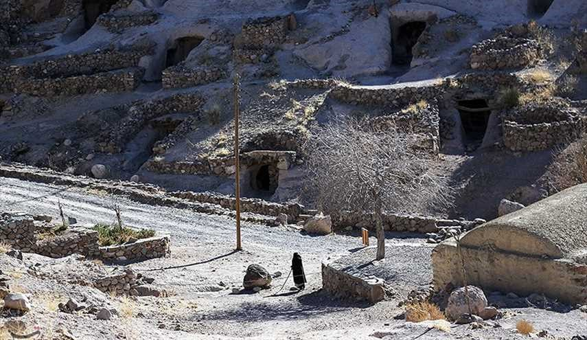 Meymand: A Wonderful Village in Iran with Houses Inside Cave