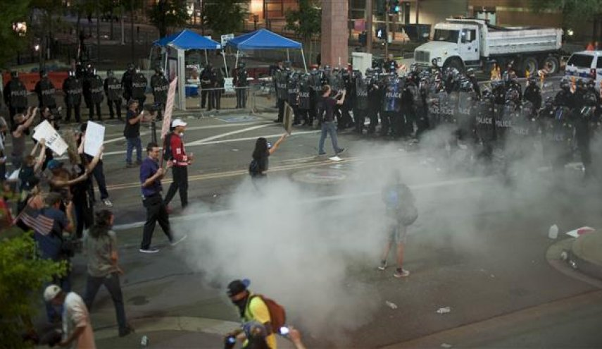 Police Tear Gas Protesters Following Trump's Phoenix Rally