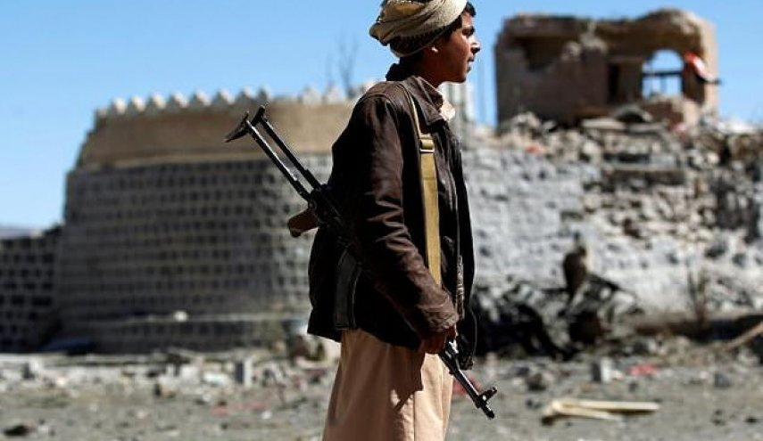 Saudi-led strikes on Yemen market kills 14 civilians