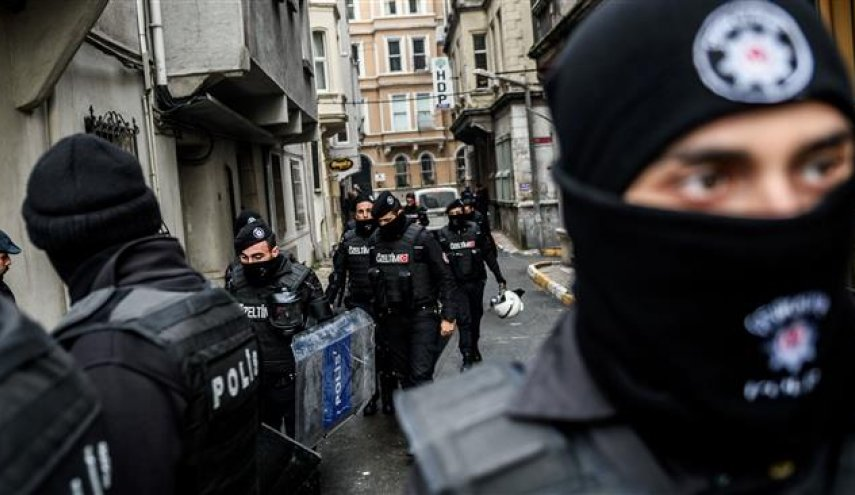 Turkey detains 20 suspected Isis members, including 15 foreigners -police