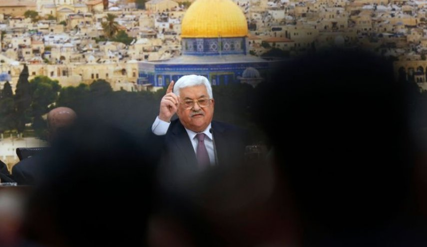 Palestinian leaders urge Abbas to withdraw recognition of Israel