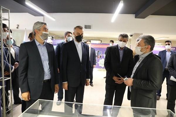 بازدید امیرعبداللهیان از نمایشگاه ویژه دستاوردهای صنعت هستهای +تصاویر